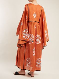 Abaya Fashion, Modest Fashion, Fashion Dresses, Kaftan Designs, Iranian Women Fashion, Modest Wear, Fashion Project, Linen Dresses, Colorful Fashion