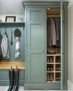 Mudroom Laundry Room, Laundry Room Design, Boot Room Utility, Utility Room Designs, Flur Design, Laundry Room Inspiration, Hallway Storage, Hallway Cupboards, Built Ins