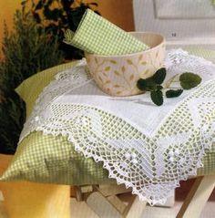 Free shema: Dantel örnekleri – crochet - My CMS Crochet Dollies, Crochet Fabric, Crochet Doily Patterns, Crochet Borders, Crochet Lace, Stitch Patterns, Handmade Crafts, Diy And Crafts, Filet Crochet Charts