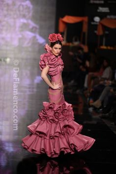 Fotografías Moda Flamenca - Simof 2014 - Carmen Latorre 'Plaza de las flores' Simof 2014 - Foto 13
