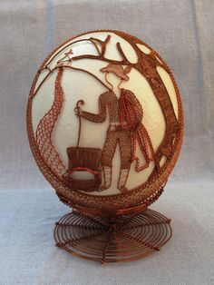 Wire Ornaments, Egg Decorating, Wire Art, Wire Wrapping, Easter Eggs, Snow Globes, Christmas Crafts, Wraps, Sculpture