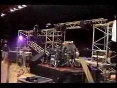 Proces: Setting up a stage