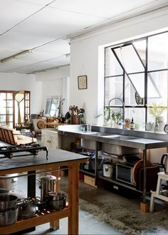 // Kate Ratner and Michael Tait's Alexandria warehouse | The Saturday Paper