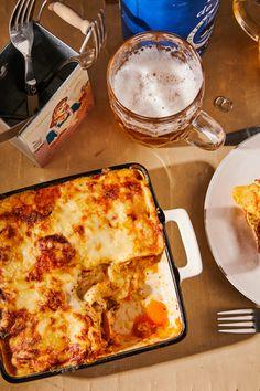 Sajtos rakott csirke kolbásszal recept | Street Kitchen Penne, Lasagna, Easy Meals, Pizza, Cheese, Ethnic Recipes, Food, Bulgur, Essen