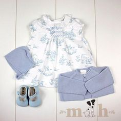 Carla dress look. Toile de joy in blue. Thick knit short cardigan in blue, baby bonnet and baby shoes mercedita in baby blue. Made in Spain by m&h Baby Clothes Online, Online Shopping Clothes, Girls Dresses Online, Knit Shorts, Marceline, Baby Knitting, Baby Blue, Boy Outfits, Baby Shoes