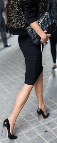 Pencil skirt, Chanel bag. Timeless. via www.heartoverheels.com