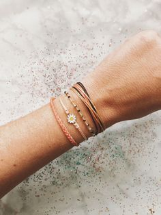 This bracelet set is everything and more 😍 😍 😍 This bracelet set is everything and more 😍 😍 😍 - Jewelry Purvida Bracelets, Beachy Bracelets, Summer Bracelets, Bracelet Crafts, Bracelet Set, Friendship Bracelets, String Bracelets, Cute Jewelry, Jewelry Accessories