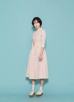 한복 Hanbok : Korean traditional clothes[dress] | #ModernHanbok Korean Traditional Dress, Traditional Fashion, Traditional Dresses, Funky Outfits, Fashion Outfits, Dress Outfits, Modern Hanbok, Korean Dress, Asian Fashion
