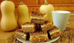 Szarlotka z kremem z kaszy jaglanej  Składniki na ciasto: – 3 szklanki mąki (u mnie pół na pół pszenna i orkiszowa pełnoziarnista) – 1/2 szklanki ksylitolu (zmiksowanego w blenderze na drobny proszek, jak cukier puder) – 2 łyżeczki skrobi ziemniaczanej – 1 łyżeczka sody – 3/4 szklanki oleju rzepakowego – 1/2 szklanki zimnej wody – cynamon – 1kg jabłek  Składniki na krem: – 1/2 szklanki kaszy jaglanej (przed ugotowaniem) – 3 szklanki mleka roślinnego (kupne sojowe lub domowe np. z orzechów…