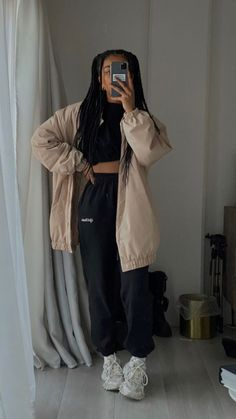 Fashion Mode, Tomboy Fashion, Teen Fashion Outfits, Retro Outfits, Look Fashion, Streetwear Fashion, Swaggy Outfits, Baddie Outfits Casual, Cute Casual Outfits