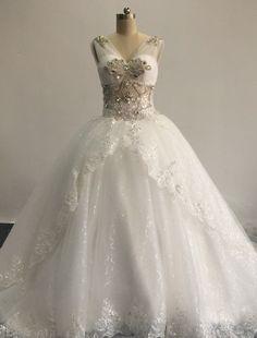 Luxury V Neck Beaded Crystals Sleeveless Ball Gown Puffy Long Wedding Dresses Bride Dress