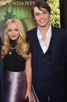 Dove Cameron Gushes About Close Friendship With Mitchell Hope - J-14 Descendants Mal And Ben, Disney Channel Descendants, Disney Channel Original, Original Movie, Cute White Guys, Cute Guys, Dove Cameron Movies, Dreamworks, Pixar
