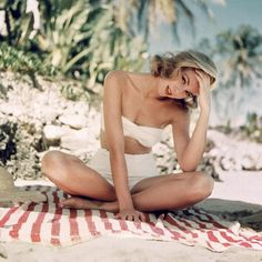 Grace Kelly catching some sun.