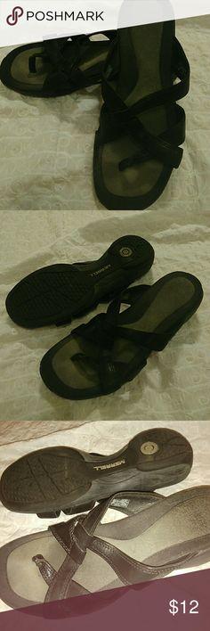 Merrell Sundial Cross Midnight Black Sandals 8 Nice pair of Merrell 8 sandals. Shoes Sandals