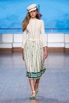 Elisabetta Franchi Milano - Spring Summer 2020 Ready-To-Wear - Shows - Vogue. 2020 Fashion Trends, Fashion 2020, Runway Fashion, Fashion Brands, Live Fashion, Fashion Show, Fashion Women, Backstage, Vogue Paris