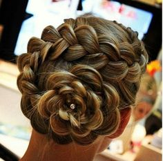 This is a pretty hair style for a dance or something