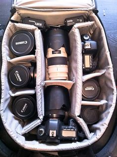 Best Camera For Photography, Photography Camera, Canon Dslr Camera, Camera Gear, Applis Photo, Photo Bag, Camera Wallpaper, Camera Equipment, Mini Camera