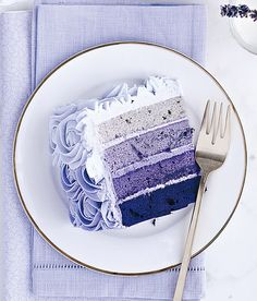 Would be awesome to make for mom & dads anniversary....purple ombre cake Scandinavian Chic