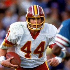 Football Photos, Football Cards, Football Players, Football Helmets, Redskins Football, School Football, Non Plus Ultra, Star Wars Pictures, Sport Icon