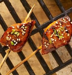 A Korean-style marinade of Korean pepper paste, honey and soy sauce gives rich flavor to chunks of boneless pork chops. Cook these single-bite skewers on the backyard grill or indoors on a stove top grill pan, countertop grill or panini grill. Pork Chop Recipes, Grilling Recipes, Cooking Recipes, Grilling Ideas, Fun Recipes, Keto Recipes, Pork Skewers, Chicken Kabobs, Korean Bbq