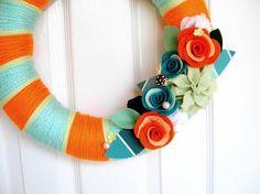 yarn wrapped felt flower wreath - love this idea!!