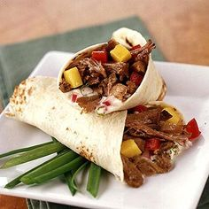 Jerk pork wraps with lime mayo.Trim fat from meat. Sprinkle jerk seasoning evenly over pork; Place meat in a or slow cooker. Pour water over meat in cooker. Diabetic Slow Cooker Recipes, Pork Recipes, Mexican Food Recipes, Crockpot Recipes, Cooking Recipes, Healthy Recipes, Ethnic Recipes, Diabetic Meals, Lunch Recipes