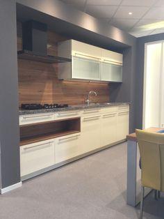 Verrassend design witte keuken van #dankuchen #creatiefdesign