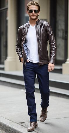 Casual men's look with a jacket blouson cuir homme aviateur, boots hom Mode Outfits, Casual Outfits, Fall Outfits, Woman Outfits, Casual Wear, Fashion Mode, Mens Fashion, Fashion 2016, Fashion Trends