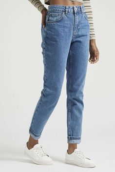Vintage Style PETITE MOTO Vintage Mom Jeans - Topshop - Think vintage in these Petite MOTO high-waisted Mom jeans. Comes cut with an authentic rigid, tapered leg, multiple pockets and classic trims. Mode Outfits, Jean Outfits, Casual Outfits, Fashion Outfits, Womens Fashion, Fashion 2016, Winter Fashion, Denim Jeans, Tall Jeans