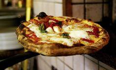 La pizza napoletana #food #pizza #Italy