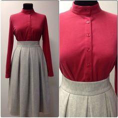 Серая шерстяная юбка в крупную складку и ягодная трикотажная рубашка. #юбка #теплаяюбка #шерсть #шерстянаяюбка #ootd #outfit #fashion #fashionblog #beauty #blogger #рубашка