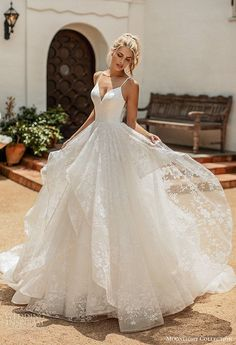 10 Gorgeous Ball Gown Wedding Dresses You'll Love - Bridal Musings - Source b. - 10 Gorgeous Ball Gown Wedding Dresses You'll Love – Bridal Musings – Source by chayapapaja – Cute Wedding Dress, Wedding Dress Trends, Princess Wedding Dresses, Best Wedding Dresses, Wedding Outfits, Corset Wedding Dresses, Wedding Ball Gowns, Sparkle Wedding Dresses, Wedding Reception Dresses
