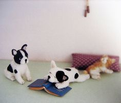 needlefelted french bulldogs - in love!