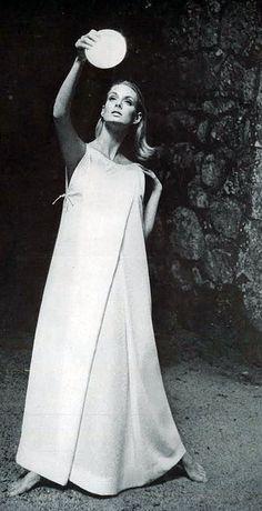 Deborah Dixon in white crèpe nightdress by Sylvia Pedlar for Iris, photo by Bert Stern, Vogue US, Sept. 1964