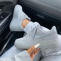 Find images and videos about shoes and nike on We Heart It - the app to get lost in what you love. Nike Fashion, Sneakers Fashion, Fashion Shoes, Fashion Fashion, Dubai Fashion, Fashion Women, Winter Fashion, Fashion Outfits, Fashion Trends