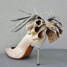 Glam animal print bow shoe clips for the bride to be on her last prowl! ~ Chuletin Designs on Etsy