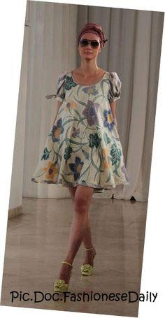Edward Hutabarat Batik Fashion, Bold Fashion, Ethnic Fashion, Cute Fashion, Fashion Outfits, Batik Kebaya, Batik Dress, Kimono, Big Dresses
