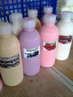 Yoghurt botol 330ml @ Rp. 8.500,- more information http://distributoryoghurtbandung.blogspot.com