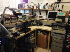 Whats your Work-Bench/lab look like? Post some pictures of your Lab. - Page 32 Electronics Projects, Electronics Storage, Electronics Gadgets, Electronic Gifts For Men, Electronic Shop, Radios, Illustration Cartoon, Nature Green, Electronic Workbench