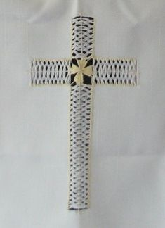 Deshilado Cruz para Altar (1 de 3)
