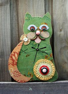 Green Cat Clock