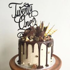 👌Urban words twenty one topper fits perfectly on this amazing choc drip cake. Bolo Drip Cake, Chocolate Drip Cake, Bolo Cake, Drip Cakes, Chocolate Cookies, 30th Birthday Cakes For Men, Cake Birthday, Chocolate Birthday Cake For Men, 21st Birthday Cake Toppers
