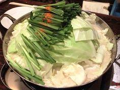 もつ鍋 新亀 - もつ鍋(ニンニク有り・白味噌)