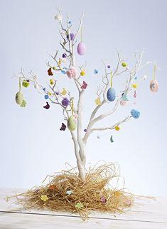 Albero di Pasqua con base di paglia