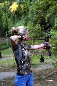 Archery Girls Picdump 4 Funny Image from evilmilk. Archery Girls Picdump 4 was added to the pictures archive on Bow Hunting Women, Hunting Girls, Hunting Bows, Hunting Stuff, Archery Girl, Archery Hunting, Archery Poses, Archery Lessons, Crossbow Hunting