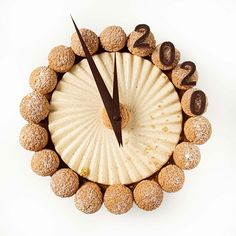 Philippe Robert (@tuto.patisserie) • Photos et vidéos Instagram New Year's Desserts, French Desserts, Dessert Recipes, Chefs, Caramel, Paris Brest, Beautiful Desserts, Confectionery, Christmas Treats