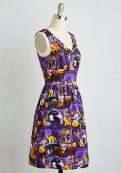 Spirit in the Fright Dress. Pumpkins, kittens, and cobwebs - oh my! #multi #modcloth