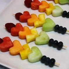 New Fruit Kabobs Heart Treats Ideas Heart Healthy Snacks, Healthy Snacks For Kids, Healthy Desserts, Edible Fruit Arrangements, Fruit Sticks, Fruit Creations, Fruit Skewers, Fruit Cups, Fruit Salad Recipes