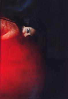 red light ~ Allie Beatty via Linda {Simply Seductive | Sequins & Tulle}