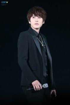 kyuhyun on stage